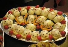 decorari aperitive - Căutare Google Food Decoration, Fruit Salad, Google, Food And Drinks, Fruit Salads