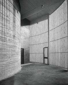 .. combinatie leem en houtwerk - Kapelle der Versöhnung | Loam Clay Earth, Martin Rauch, Vorarlberg