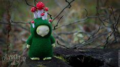 Купить или заказать Игрушка из шерсти 'Мухоморовый мальчик' в интернет-магазине на Ярмарке Мастеров. Авторская игрушка из шерсти, выполнена в технике сухого валяния. Личико, ручки и ножки из полимерной глины, расписаны акрилом. Размеры игрушки (с грибами) 15 на 7,5 см.