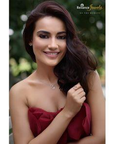 Indian Tv Actress, Indian Actresses, Tv Actors, Actors & Actresses, Heena Khan, Celebs, Celebrities, Beautiful Smile, Land Scape