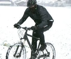 Dominic Tomov (Biker): I started my training on bike some weeks ago. Today I had a little trial through the snow, it was great! First Story, Sports Activities, Short Stories, Biker, Training, Snow, October, Coaching, Fitness Workouts