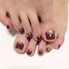 Manicure pedicure combo design toenails 70 ideas for 2019 Nail Designs 2014, Pedicure Designs, Pedicure Nail Art, Toe Nail Designs, Toe Nail Art, Nails Design, Nail Designs Toenails, Gold Toe Nails, Feet Nails
