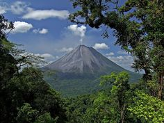 Volcan Arenal, Alajuela, Costa Rica by Roberto Garcia Costa Rica Travel, National Geographic, Beautiful World, Beautiful Places, Stunningly Beautiful, Beautiful Scenery, San Jose Costa Rica, Costa Rico, Holidays To Mexico