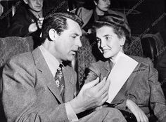 fantastic candid Cary Grant and wife Barbara Hutton at theater 711-05