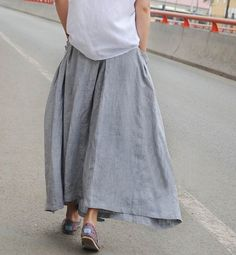 Linen skirt with pockets | simple, easy to make up, versatile and durable. Doesn't matter if it creases either!