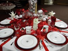 Christmas Tablescapes 2014 White cloth and ribbon v place mats