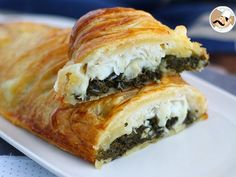 A funny shaped pie, filled with delicious cod fish, spinash and mozzarella. - Recipe Main Dish : Puff pastry cod fish by PetitChef_Official Spinach Puff Pastry, Puff Pastry Recipes, Fresco, Cod Fish Recipes, Vegan Recipes, Cooking Recipes, Food Pictures, Main Dishes, Food And Drink