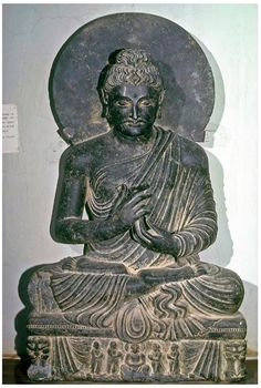 Bouddha assis de Sahri Bahlol, région de Gandhara (Pakistan). Musée de Peshawar