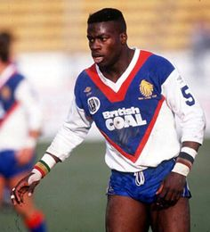 Martin Offiah, MBE. England Rugby league. He played 33 times for GB, Scoring 26 tries, and 5 times for England, scoring 8 tries. He scored 501 tries during his Rugby league /union career. B 1965.