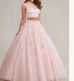 Pretty quinceanera dresses, 15 dresses, and vestidos de quinceanera. We have turquoise quinceanera dresses, pink 15 dresses, and custom quince dresses! Tulle Ball Gown, Ball Dresses, Ball Gowns, Formal Dresses, Quince Dresses, Formal Prom, Quencenera Dresses, Dresses 2016, Long Dresses