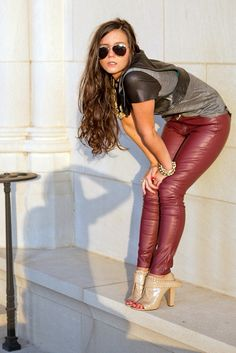 https://flic.kr/p/e7Rt5S | Red leather pants | See the link in the first comment to go to her fashionblog