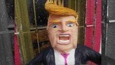 Hacen piñata de Donald Trump para que mexicanos puedan apalearlo