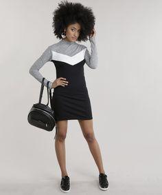 Vestido desenvolvido em malha canelada com toque macio. O modelo tem detalhe de recorte na parte frontal. A modelagem tem caimento justinho. O decote redondo tem gola alta e as mangas longas.  Abuse dos acessórios e dê um up no visual.  Composição: 65% Poliéster 32% Viscose 3% Elastano   Parte superior: 97% Poliéster 3% Elastano  Modelo Veste: P Altura: 1,75m Busto: 85cm Cintura: 70cm Quadril: 94,5cm Toque, Get Dressed, Up, Dresses, Rib Knit, Turtleneck, Modeling, Black, Cut Outs
