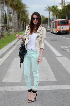 FASHIONVIBE: mint jeans + white leather jacket. I'm loving it!
