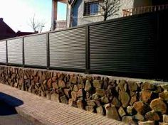 25 Affordable DIY Privacy Fence Design Ideas