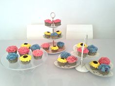 Summer flower cupcakes...perfect for birthdays, christenings and baby showers!
