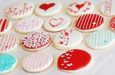 Love the modern decorations and the cool aqua on these valentine cookies