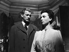 """sweetheartsandcharacters: """"Joseph Cotten and Agnes Moorehead in """"The Magnificent Ambersons"""" (Orson Welles, """" Classic Movies On Netflix, Best Classic Movies, Turner Classic Movies, Old Movies, Great Movies, Agnes Moorehead, Old Hollywood Movies, Classic Hollywood, Vintage Hollywood"""