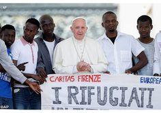 """Dia a Dia Franciscano.: Catequese do Papa: """"Não tenham medo de tocar o pob..."""