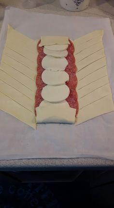 Treccia di Sfoglia - La Cucina di Gioia Pasta Filo, Arancini, Cheese Platters, Strudel, Canapes, Antipasto, Frittata, Party Time, Food And Drink