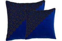 Kissen | Cushion | Home | Manufaktur | Lale Lorain | Sofakissen | Couchkissen | Dekokissen | Designer Kissen | Spitze | Samt |