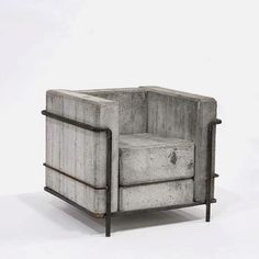 Concrete seat. I ABSOLOUTELY love this.