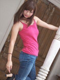 Indonesian Girls, Cute Girls, Basic Tank Top, Eye Candy, That Look, Beautiful Women, Asian, Tank Tops, Lady