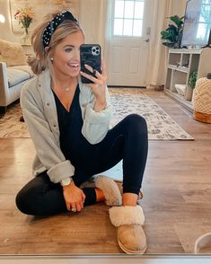Summer Outfits For Moms, Casual Outfits For Moms, Lazy Day Outfits, Cute Fall Outfits, Mom Outfits, Fall Winter Outfits, Stylish Outfits, Cute Lounge Outfits, Nanny Outfit