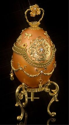 Decorative Royal Golden Egg : Lot 396, Live Auctioneers.com