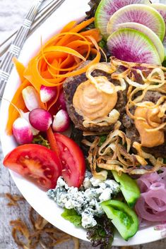 Burger Salad Bowl | The View from Great Island Burgers On The Stove, Veggie Bowl Recipe, Fruit Dressing, Main Dish Salads, Veggie Dishes, Side Dishes, Burger Salad, Chef Salad