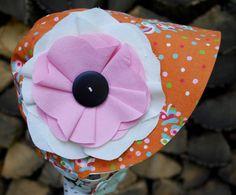 Garden Bonnet reversible baby bonnet sun bonnet by eddieandsofia Sunglasses Case, Retro, Hats, Garden, Fabric, Bonn, Tejido, Hat, Garten