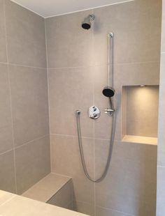 Dusche Sitzbank Gemauert : Walk-In-Dusche mit Sitzbank, Foto: HEIMWOHL GmbH