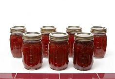 Na sběru se dá slušně vydělat - iDNES. Mexican Food Recipes, Sweet Recipes, Healthy Recipes, Jam And Jelly, Home Canning, Russian Recipes, Preserves, Salsa, Mason Jars