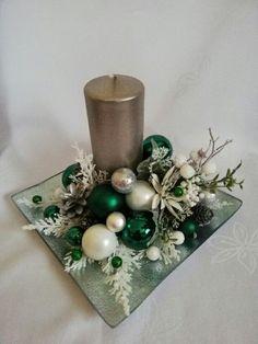 Christmas Decor Diy Cheap, Christmas Candle Decorations, Wall Christmas Tree, Christmas Arrangements, Christmas Candles, Christmas Art, Christmas Wreaths, Christmas Ornaments, Crafts