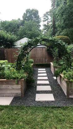 Backyard Garden Design, Garden Landscape Design, Garden Design Ideas, Diy Garden, House Landscape, House Garden Design, Walkway Garden, Lanscape Design, Landscape Rocks