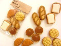埋め込み画像への固定リンク Kawaii Cookies, Fancy Cookies, Cute Cookies, Royal Icing Cookies, Cupcake Cookies, Sugar Cookies, Galletas Decoradas Royal Icing, Cute Polymer Clay, Mini Foods