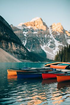 Discover the top 20 most adventurous things to do in Banff National Park! We're sharing the best hikes, lakes, activities, and so much more! We'll show you classics like Moraine Lake and Lake Louise, but also hidden gems like Johnston Cave! Parc National, Banff National Park, National Forest, Places To Travel, Travel Destinations, Places To Visit, Travel Tips, Travel Essentials, Ottawa