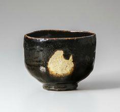 Dōnyū (Raku III), Black Raku Tea Bowl named 'Aoyama', 17th century, Raku Museum, Important Art Object, photo by Takashi Hatakeyama