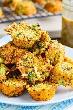 Broccoli and Cheddar Quinoa Bites http://www.closetcooking.com/2014/04/broccoli-and-cheddar-quinoa-bites.html