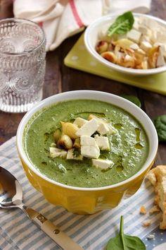 Soup Recipes, Diet Recipes, Vegetarian Recipes, Healthy Recipes, Feta, Hungarian Recipes, Hungarian Food, Veggie Soup, Greens Recipe