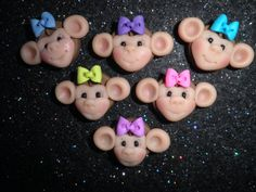 These cute little monkeys would be awesome bow centers/charms/pins/magnets/or whatever else you can think of.