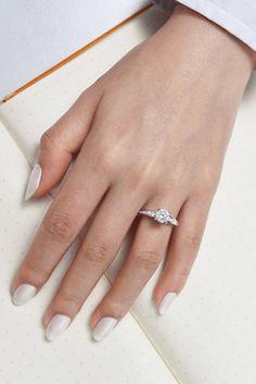 Vintage 14k White Gold Round Straight Engagement Ring
