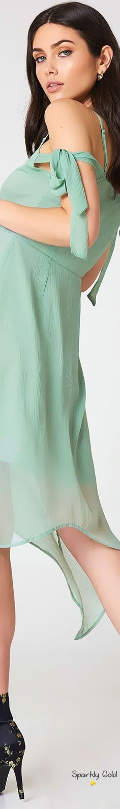 Mint Blue, Mint Color, Out Of Style, Her Style, Classy People, Fashion Lighting, Color Of Life, I Love Fashion, Pistachio