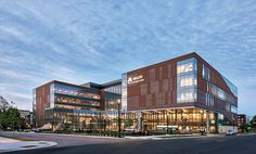 <p>In Minneapolis, specialists deliver clinical medicine within retail- and hospitality-inspired interiors by CannonDesign<br /> </p>