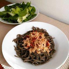 Massa de feijão preto com atum e tomate seco | back bean pasta with tuna and dried tomato