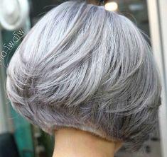 Short Grey Hair, Short Hair With Layers, Short Hair Cuts, Short Hair Styles, Gray Hair, Bob Hairstyles For Fine Hair, Short Bob Haircuts, Cool Hairstyles, Silver White Hair