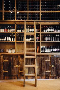 Ober Mamma the new Italian address of Oberkampf - Wine cellar Wine Shelves, Wine Storage, Tasting Room, Wine Tasting, Wine Shop Interior, Interior Styling, Cave A Vin Design, Wine Cellar Design, Wine Bar Design