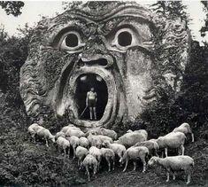 Parco dei Mostri di Bomarzo, Italy  (foto di Herbert List, 1952)