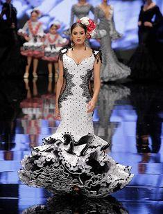 Flamenco Wedding, Traditional Mexican Dress, Flamenco Costume, Spanish Dress, Spanish Fashion, Edwardian Dress, White Chic, Dapper Day, Mexican Dresses