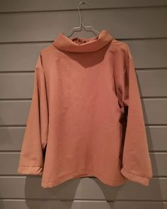 Redesignet genser Sweatshirts, Sweaters, Instagram, Fashion, Moda, Hoodies, Fashion Styles, Sweater, Trainers